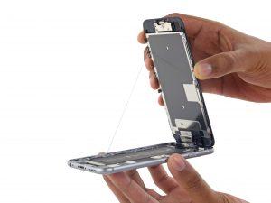 iPhone 6S kijelző csere, akijelző felnyitása 90 fokig