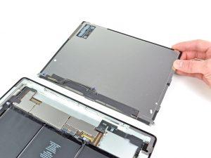 iPad 2 akkumulátor csere, a az LCD kijelző leválasztása az iPad-ről