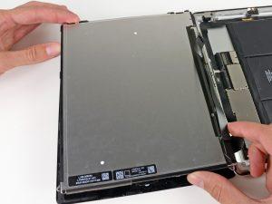 iPad 3 akkumulátor csere, a kijelző levétele az iPadről