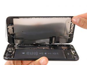 iPhone 7 Plus kijelző csere, a kijelző felnyitása