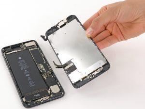 iPhone 7 plus kijelző csere, a telefon két része külön válik
