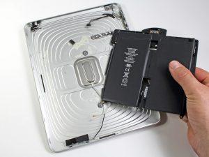 iPad 1 akkumulátor csere, az új akkumulátor bahelyezése