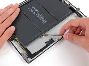 iPad 3 akkumulátor csere, az akkumulátor csatlakozó lecsatlakoztatása