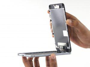 iPhone 6S Plus kijelző csere, a kijelzőt felhajtjuk maximum 90 fokig
